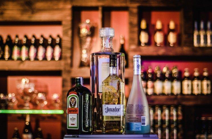 Ilustrasi Alkohol (Pexels)